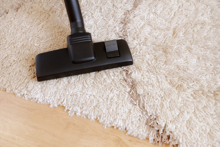 Cepillado y aspirado de alfombras